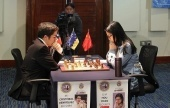 Hou Yifan gives Henriquez no chance